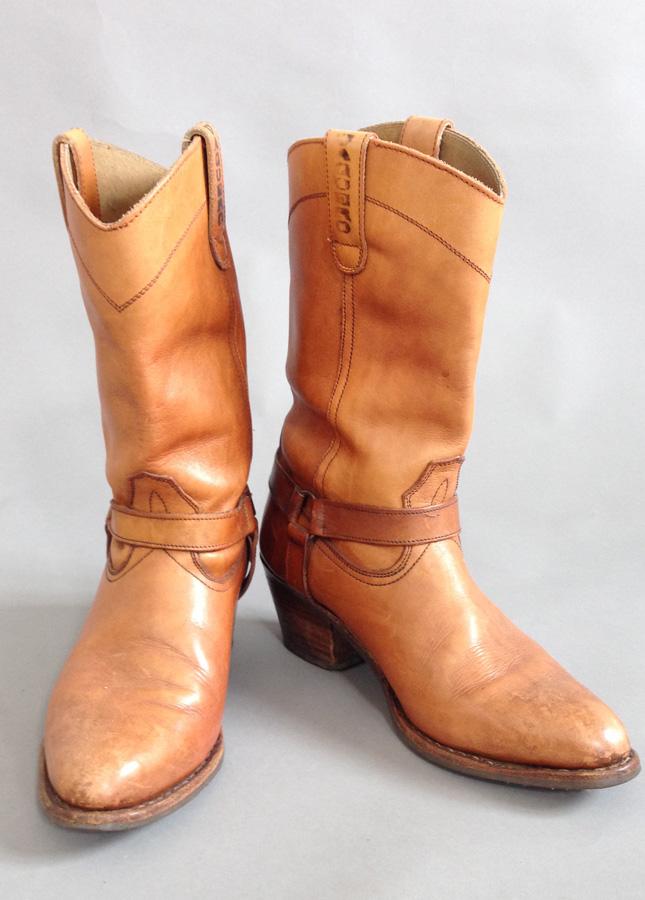 Vintage Cowboy Boots  1f23088e1